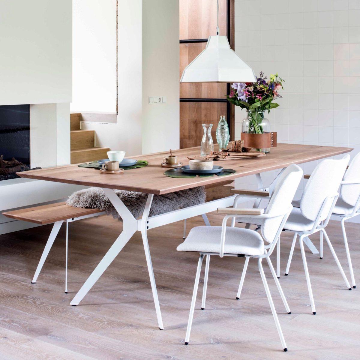 Split dining table met Fall en Frame Cash 104 white sfeer
