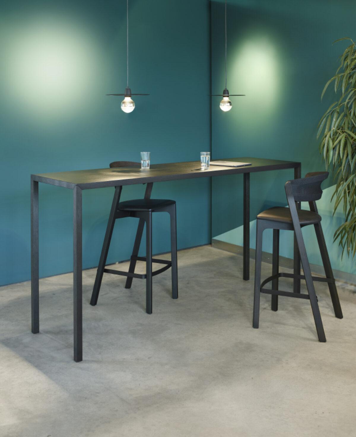 Arco Slim Standing Bertjan Pot Low Res Ambient 01