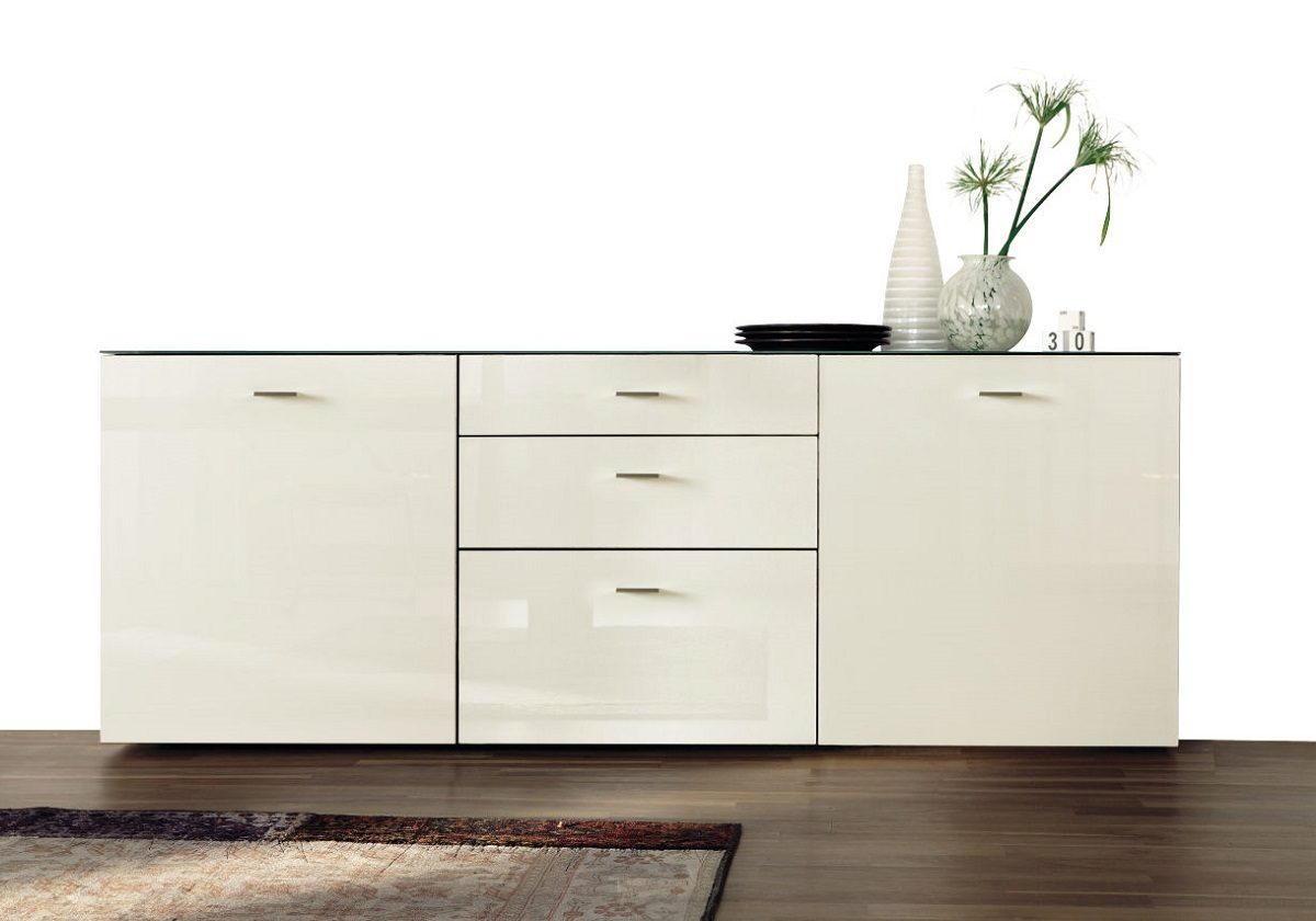 Hulsta now 14 sideboard01