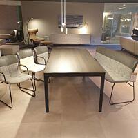 Eetkamertafel Kalia + 2 eetkamerstoelen Ditte met arm, 1 zonder arm & Didore eetkamerbank
