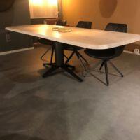 Bert Plantagie - Tafel Carve eiken olie chalk - genoest