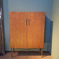 Bert Plantagie Brown - Kast Ceder 2-drs-dicte deur 120x35x167 ,5 cm eiken smoked oak noest fineer-onderstel chestnut 404